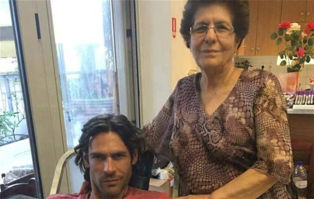 O Γιάννης Σπαλιάρας είναι «μαμάκιας» και αυτό το λέει η μαμά του