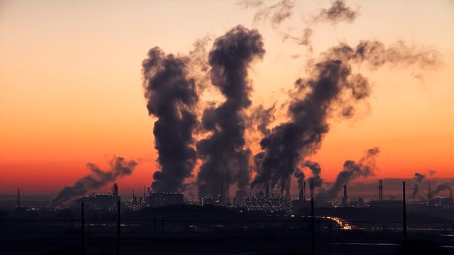 Έκθεση σοκ: Μόνο 100 εταιρείες ευθύνονται για το 71% των παγκόσμιων εκπομπών αερίων του θερμοκηπίου!