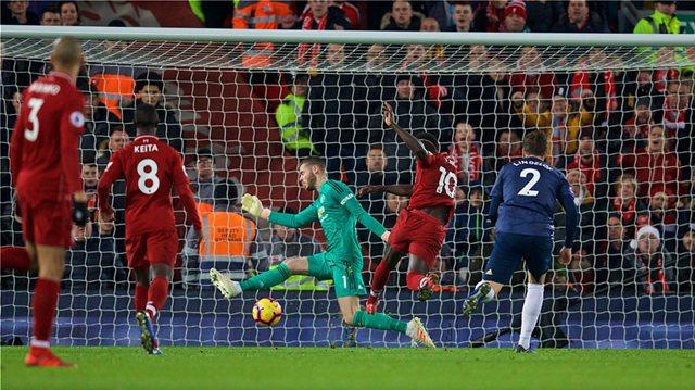 Premier League, Λίβερπουλ-Μάντσεστερ Γιουνάιτεντ 3-1: Με ήρωα τον Σακίρι πάτησε ξανά στην κορυφή