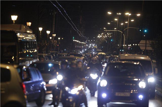 «Κομφούζιο» στους δρόμους της Αττικής - Πού εντοπίζονται τα μεγαλύτερα προβλήματα