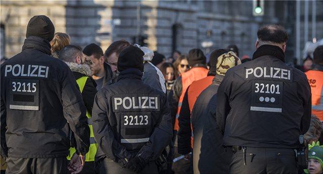 Γερμανία: Τα κόμματα καταδικάζουν τα ακροδεξιά φαινόμενα στην αστυνομία