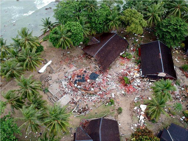 Καθηγητής Συνολάκης: Η έκρηξη πριν το τσουνάμι της Ινδονησίας είναι σαν αυτή που θα γίνει σε χιλιάδες χρόνια στη Σαντορίνη