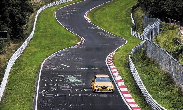 Δοκιμή: Μπαίνουμε στο Nurburgring με το Renault Megane RS