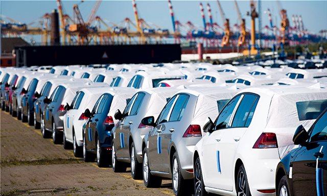 Λατρεία των Ελλήνων για τα γερμανικά αυτοκίνητα