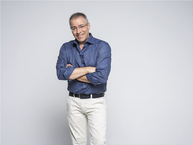 Ο Νίκος Μάνεσης στην κορυφή της τηλεθέασης το πρώτο 4μηνο της φετινής σεζόν