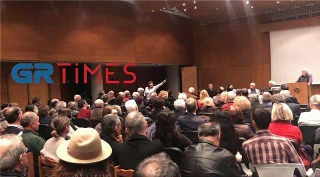 «Ξεπουλήσατε τη Μακεδονία» φώναξαν στον βουλευτή Μηταφίδη του ΣΥΡΙΖΑ