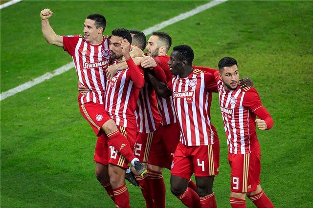 Super League, Ολυμπιακός-ΑΕΚ 4-1: Με... τεσσάρα στο Champions League!
