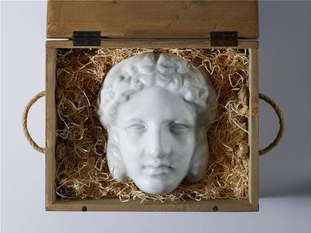 Η πρόσκληση του σόου Gucci αυτής της σεζόν ήταν μια αρχαία ελληνική μάσκα
