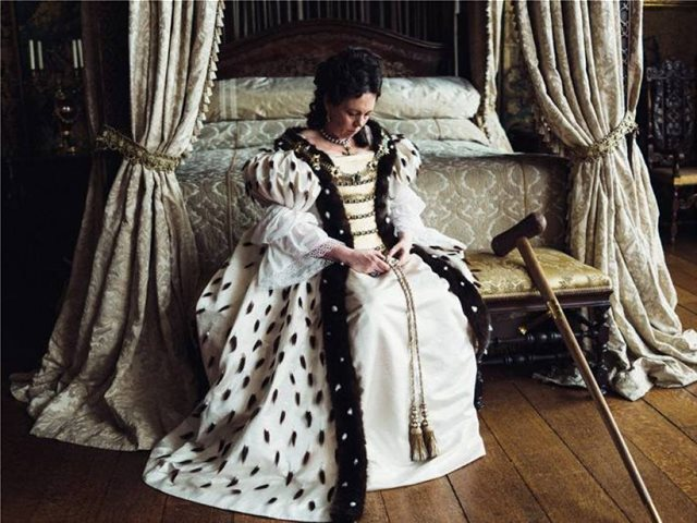 """Στο ανάκτορο του Κένσιγκτον παρουσιάζονται τα κοστούμια της ταινίας """"The Favourite"""" του Γιώργου Λάνθιμου"""