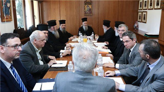 Αμετακίνητοι οι κληρικοί για τη μισθοδοσία τους: Έρχονται και εκλογές, «υπενθυμίζουν» στον Γαβρόγλου