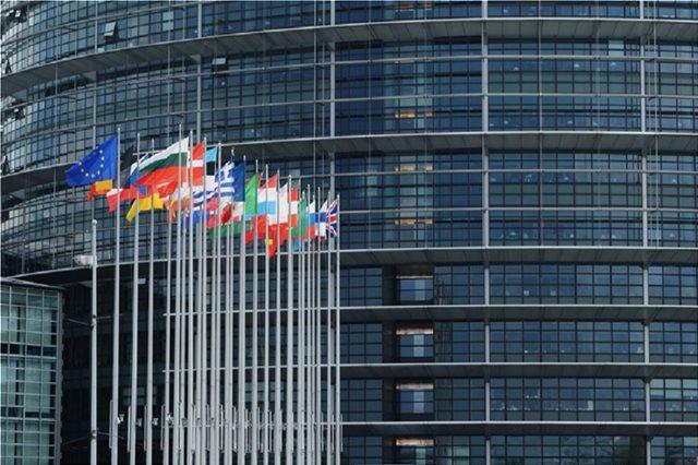 Κομισιόν: Ο κίνδυνος Brexit χωρίς συμφωνία έχει αυξηθεί