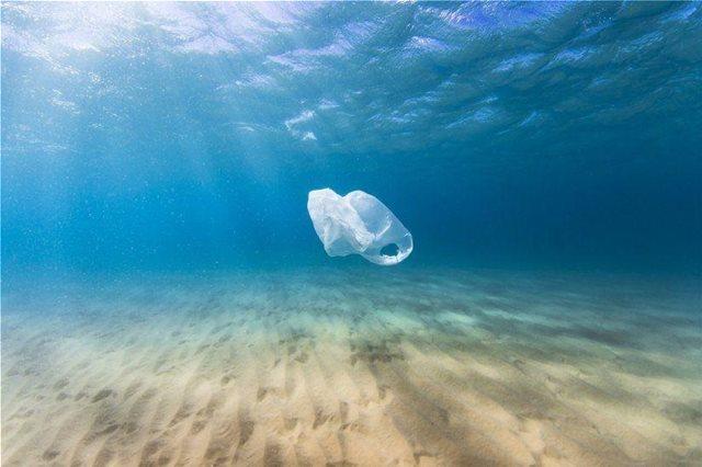 Παγκόσμια έκθεση του WWF για την ρύπανση από πλαστικά: Η Ελλάδα λειτουργεί αναποτελεσματικά
