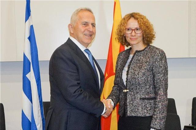 Εμβάθυνση της στρατιωτικής συνεργασίας συζητούν Αθήνα και Σκόπια