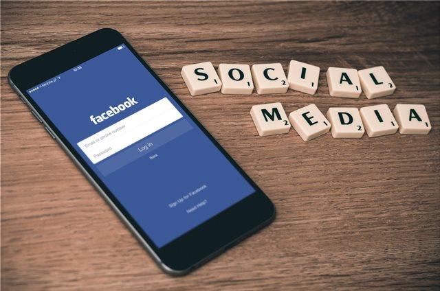 Ένα «μικρό ανθρώπινο λάθος» προκάλεσε το 24ωρο μπλακ άουτ στο Facebook