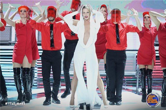 YFSF: Η Στικούδη «έβαλε φωτιά» ως Kylie Minogue