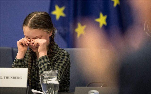 Συγκίνησε το Ευρωκοινοβούλιο η 16χρονη  Γκρέτα μιλώντας για το κλίμα