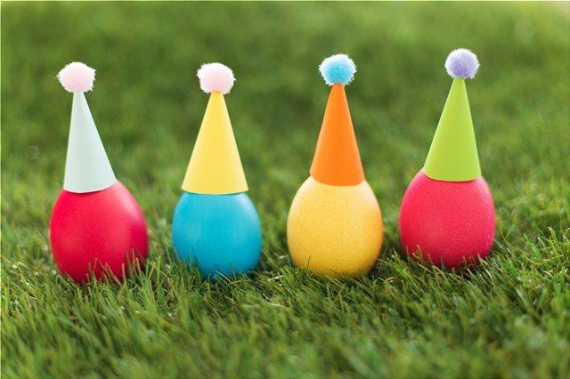 Βαμμένα πολύχρωμα αβγά και τα μυστικά τους