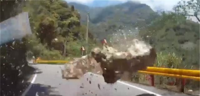 Shocking images from the 6,1 earthquake that hit Taiwan (video)