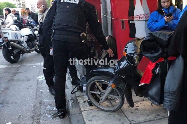 Πρωτοφανές περιστατικό στη Θεσσαλονίκη: Πέταξε τη σύζυγό του από το αυτοκίνητο!