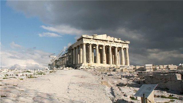 Το παράπονο των αρχαιολόγων μετά τον κεραυνό στην Ακρόπολη: Μακάρι να αντιδρούσαμε όπως οι Γάλλοι στη Notre Dame!