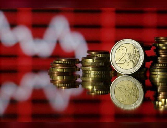 Η επιβράδυνση της Ευρωζώνης είναι χειρότερη από την παγκόσμια