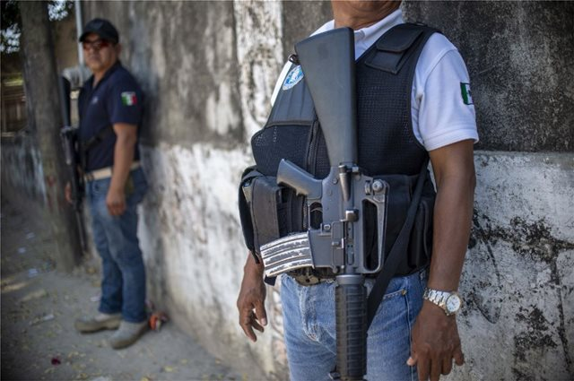 Μακελειό  σε αστυνομικό τμήμα στο Μεξικό: Τέσσερις νεκροί μετά από εισβολή ενόπλων