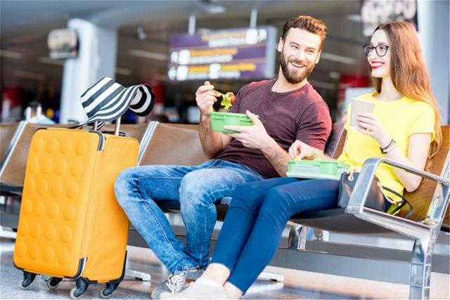 10 tips για να μην ξοδέψεις μία περιουσία σε φαγητό όταν ταξιδεύεις