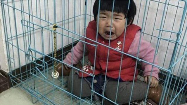 Απάνθρωπο: Πατέρας κρατάει την κορούλα του στο κλουβί του σκύλου για να εκδικηθεί την πρώην γυναίκα του