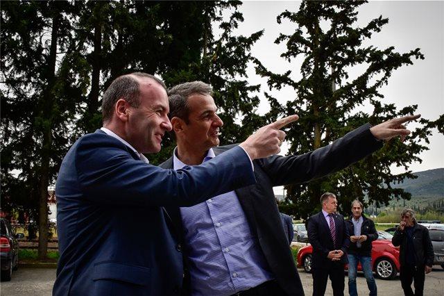 Ευρωεκλογές 2019: Μητσοτάκης και Βέμπερ επισκέφθηκαν τη Νεμέα