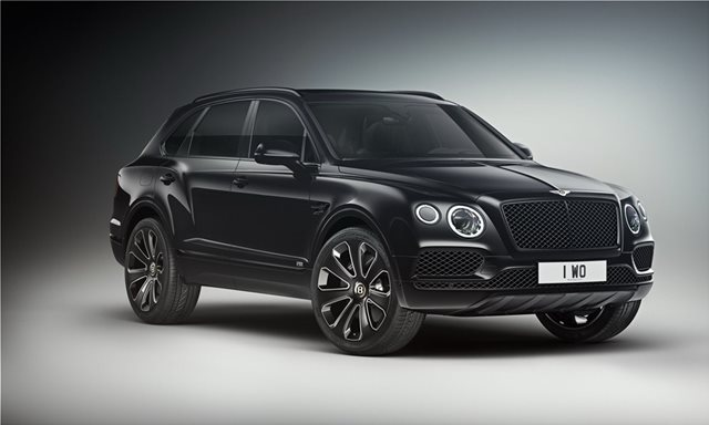 Ποζάροντας με τη Bentley Bentayga V8 «Design Series»
