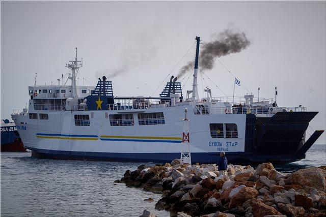 Πάσχα: Αυξημένη η κίνηση στα λιμάνια του Πειραιά και του Λαυρίου