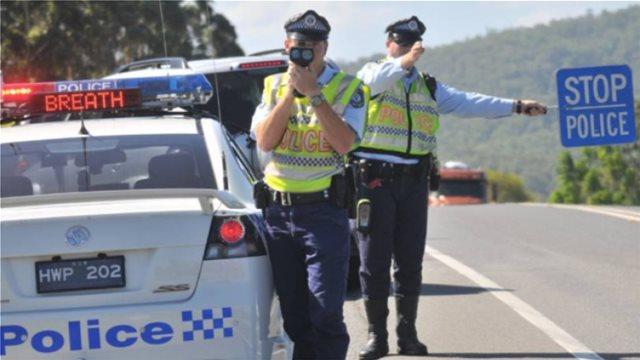Αυστραλία: Μία 15χρονη οδηγούσε καπνίζοντας το αυτοκίνητο της μητέρας της, με την 3χρονη αδελφούλα της μέσα στο αμάξι
