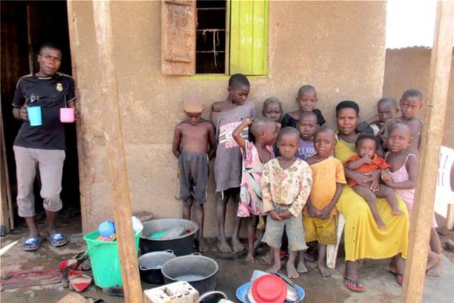 Θαύμα της φύσης: Έχει γεννήσει 44 παιδιά στα 36 της με τον ίδιο άντρα