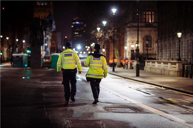Βρετανία: Σάλος από την προληπτική λογοκρισία της αστυνομίας στα ΜΜΕ