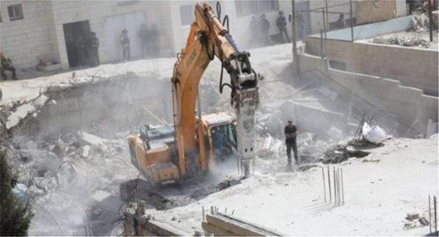 Το Ισραήλ κατεδαφίζει σπίτια Παλαιστινίων στα όρια Ανατολικής Ιερουσαλήμ-Δυτικής Όχθης