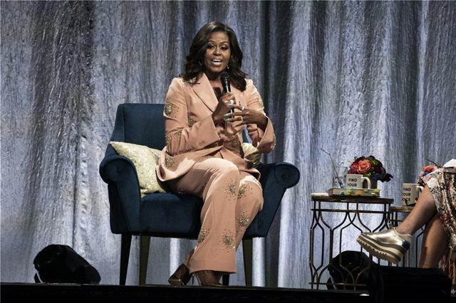 «Παίζει η Μισέλ Ομπάμα» για αντιπρόεδρος των ΗΠΑ, λέει στον ΘΕΜΑ 104,6 καθηγητής Διεθνών Σχέσεων