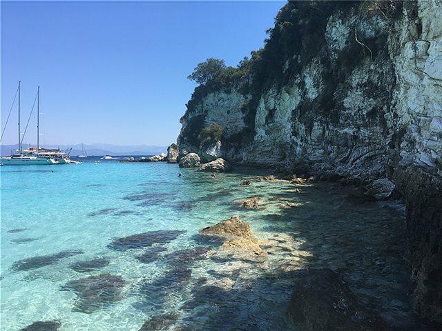 "5 Greek ""Caribbean"" beaches that are heaven on earth (photos-videos)"