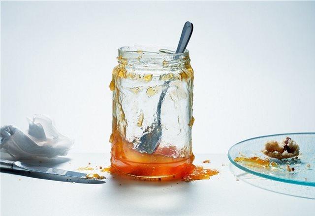 Το απίστευτο tip για να βγάλεις ακόμη και το τελευταίο κουταλάκι μαρμελάδα από το βάζο