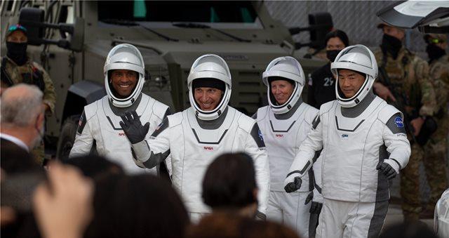 NASA - SPACEX: ΔΕΙΤΕ ΒΙΝΤΕΟ ΑΠΟ ΤΟ ΠΡΩΤΟ ΤΑΞΙΔΙ ΤΟΥ «ΔΙΑΣΤΗΜΙΚΟΥ ΤΑΞΙ»