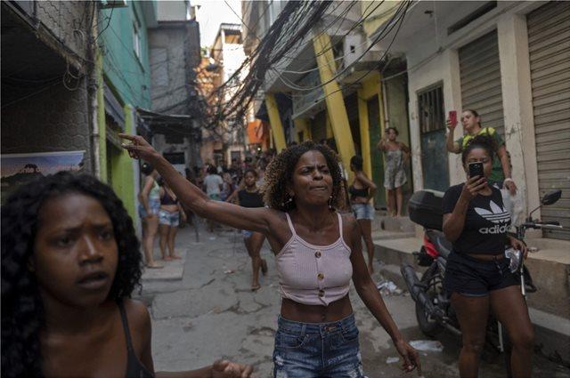 ΒΡΑΖΙΛΙΑ: ΣΑΛΟΣ ΜΕΤΑ ΤΗΝ ΑΙΜΑΤΗΡΗ ΕΠΙΧΕΙΡΗΣΗ ΤΗΣ ΑΣΤΥΝΟΜΙΑΣ ΣΕ ΦΑΒΕΛΑ ΤΟΥ ΡΙΟ ΜΕ 25 ΝΕΚΡΟΥΣ