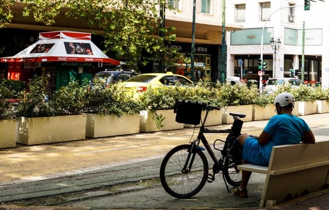 ΚΑΙΡΟΣ: ΜΕ ΠΟΛΛΗ ΖΕΣΤΗ ΞΕΚΙΝΑ Η ΕΒΔΟΜΑΔΑ - ΕΡΧΕΤΑΙ ΚΑΚΟΚΑΙΡΙΑ ΣΤΑ ΒΟΡΕΙΑ ΑΠΟ ΤΟ ΒΡΑΔΥ ΤΗΣ ΤΡΙΤΗΣ