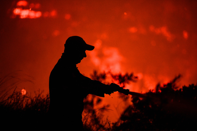 Ηλεία: Μεγάλη πυρκαγιά στην περιοχή του χωριού Αγνάντα στην Πηνεία