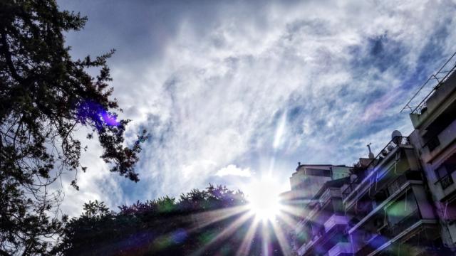 ΚΑΙΡΟΣ: ΣΤΟΥΣ 32 ΒΑΘΜΟΥΣ ΘΑ «ΣΚΑΡΦΑΛΩΣΕΙ» Ο ΥΔΡΑΡΓΥΡΟΣ ΤΗ ΔΕΥΤΕΡΑ - ΕΒΔΟΜΑΔΑ ΜΕ ΤΡΕΙΣ ΕΠΟΧΕΣ ΣΤΗ ΧΩΡΑ ΜΑΣ