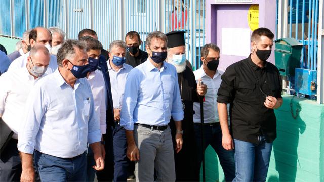 Στην Κρήτη ο Μητσοτάκης: Άμεσα 20.000 ευρώ σε όσους έχασαν τα σπίτια τους - Στήριξη σε επιχειρήσεις