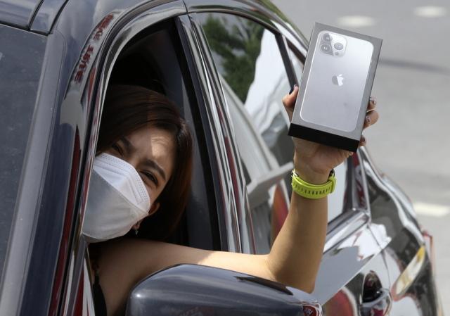 IPHONE 13: Η APPLE ΜΠΟΡΕΙ ΝΑ ΜΕΙΩΣΕΙ ΤΗΝ ΠΑΡΑΓΩΓΗ ΤΟΥ IPHONE 13 ΚΑΤΑ 10 ΕΚΑΤ. ΜΟΝΑΔΕΣ ΛΟΓΩ ΕΛΛΕΙΨΗΣ ΤΣΙΠ
