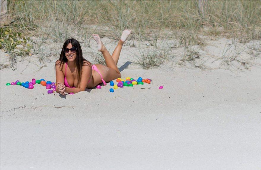 Claudia-Romani-Pink-Bikini-31