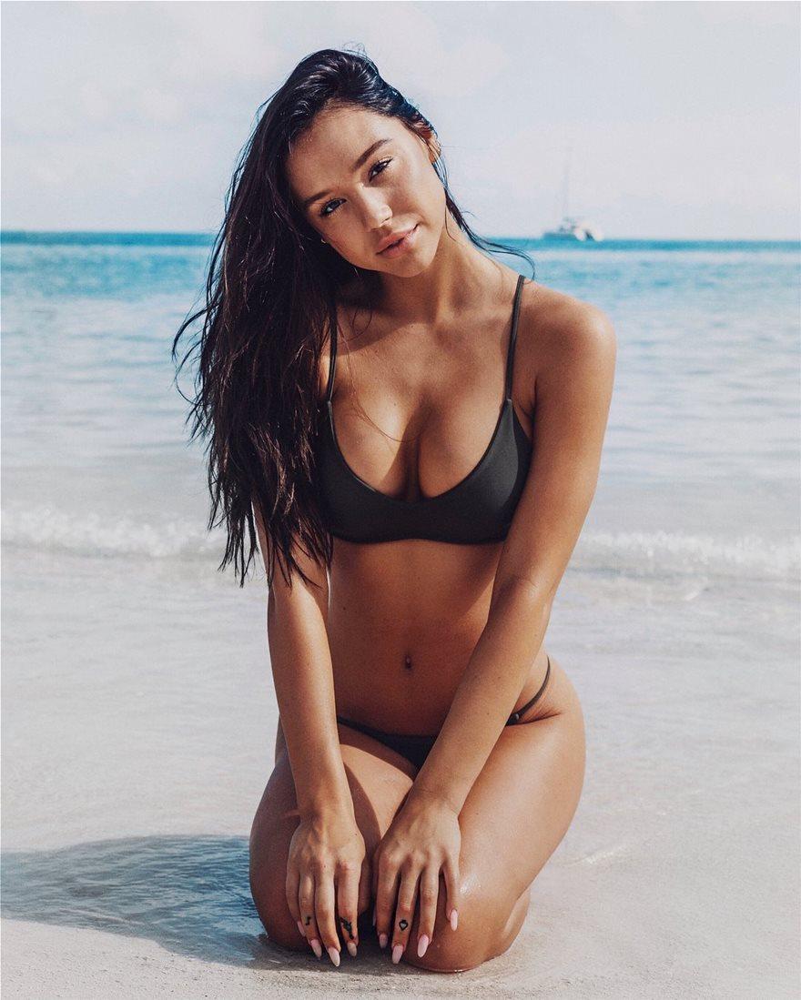 Alexis-Ren-Bikini-3