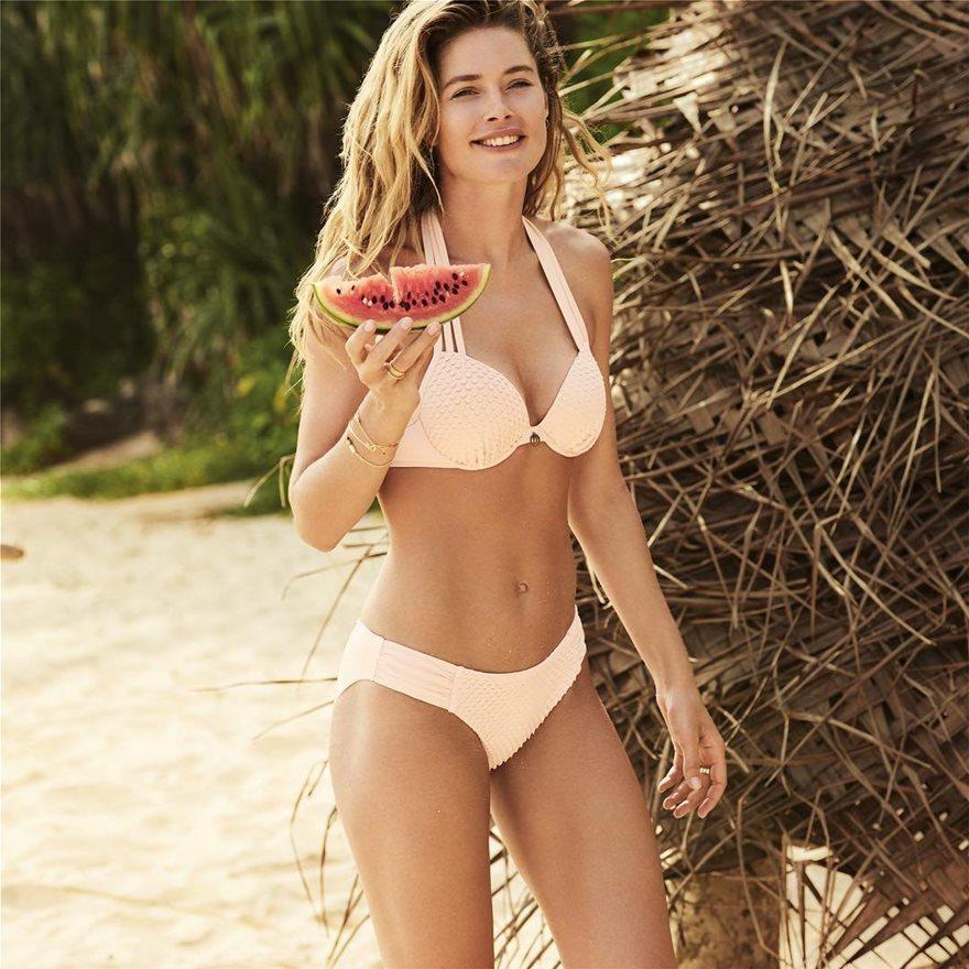 Doutzen-Kroes-Bikini-7