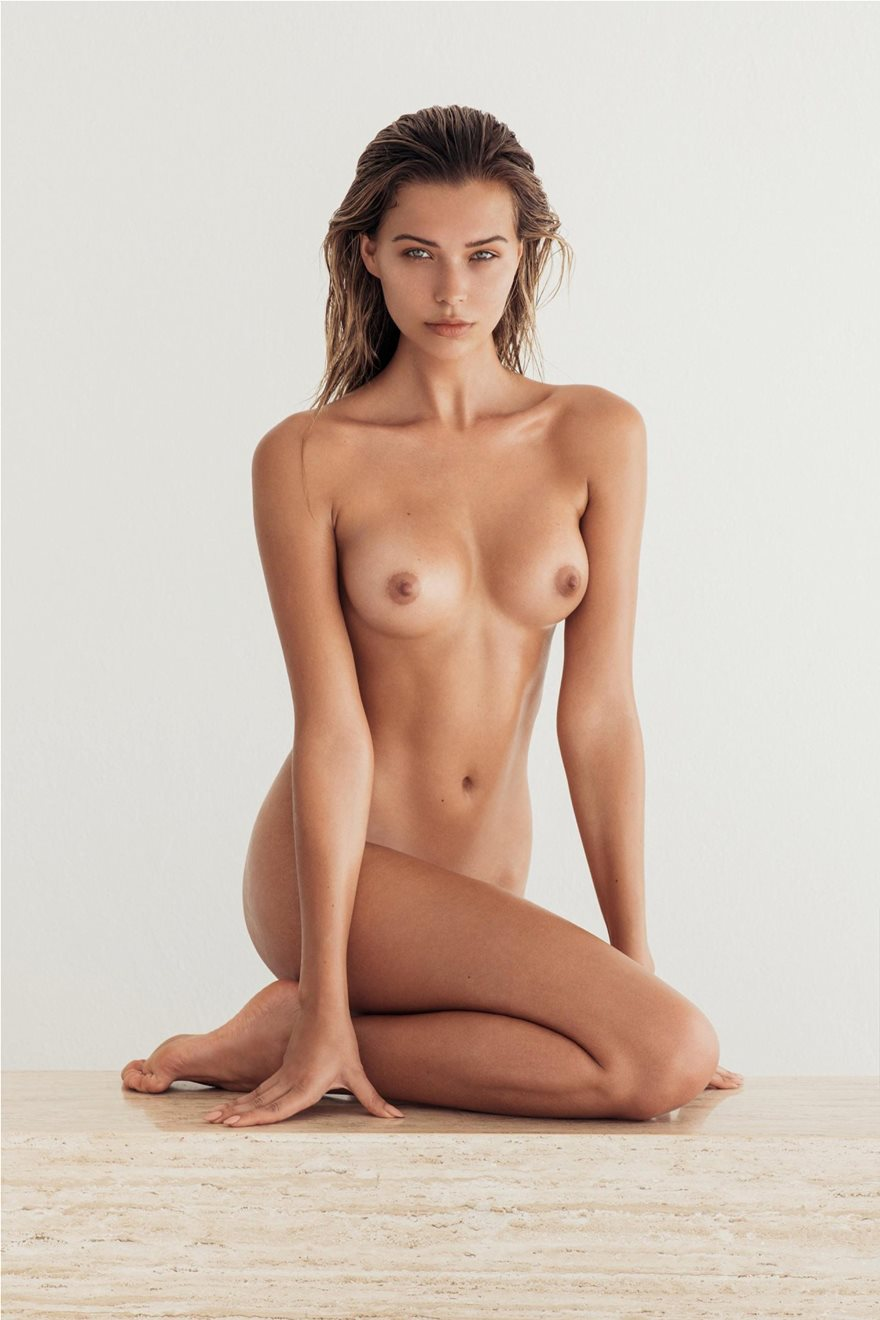 Sandra-Kubicka-Naked-Photoshoot-19