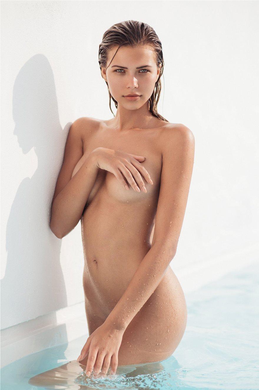 Sandra-Kubicka-Naked-Photoshoot-3